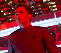 Kirk (Chris Pine) in red alert