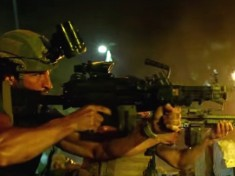 '13 Hours: The Secret Soldiers of Benghazi' contains intense action sequences